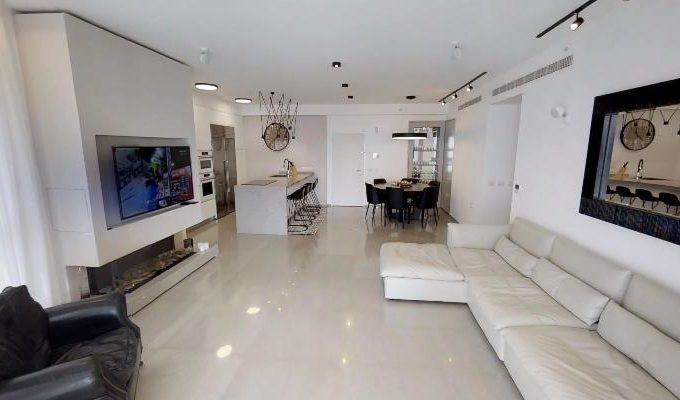 A luxurious 5 room apartment in Ir Yamim (Netanya)